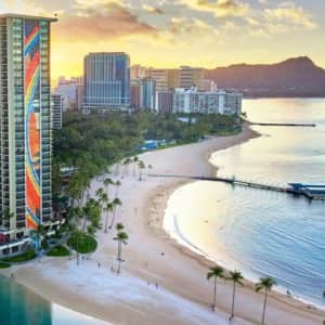 Hawaii Hilton Suite Sale at Travelzoo: Up to 50% off stays through April '22