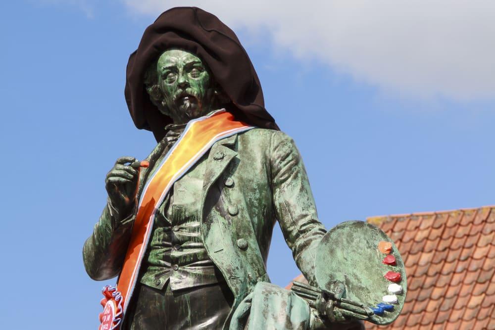 Ary Scheffer statue