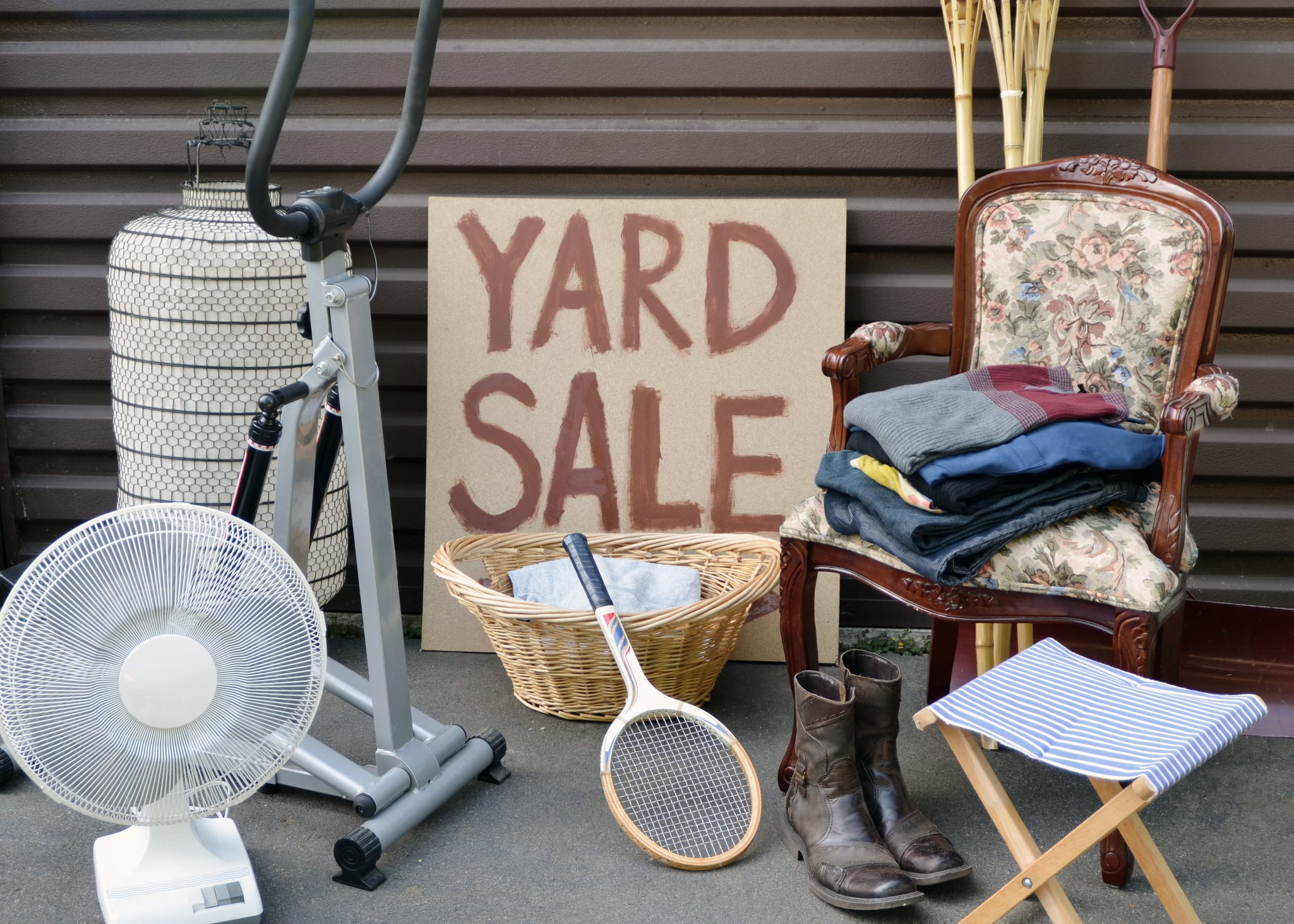 11 Tips For Buying At Yard Sales And Selling On Ebay