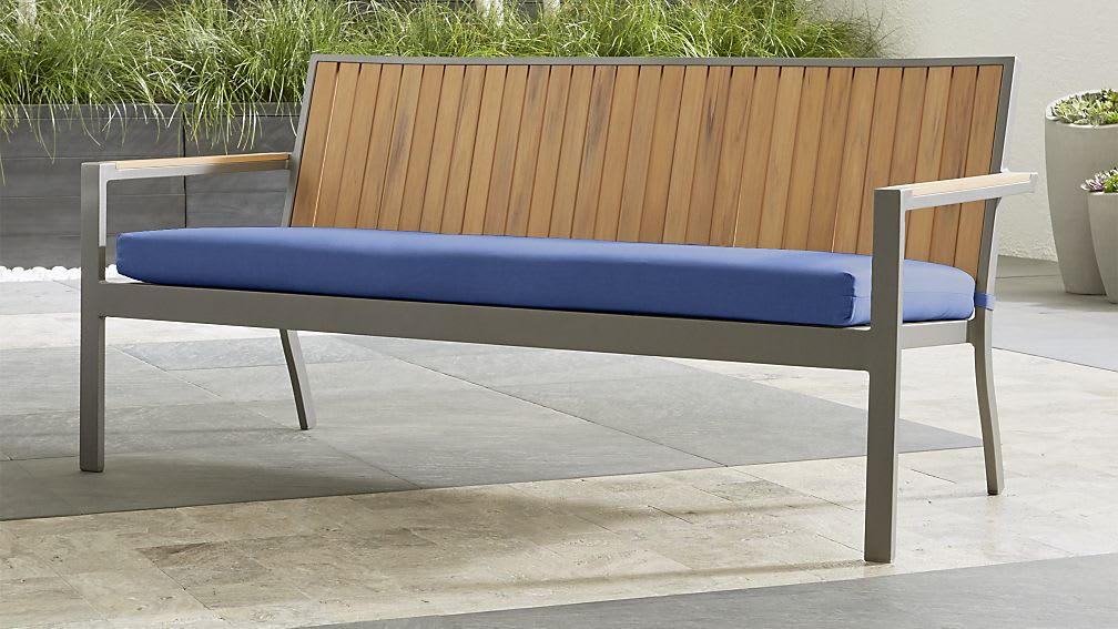 10 Great Deals From Crate Barrel S Outdoor Furniture Clearance Sale