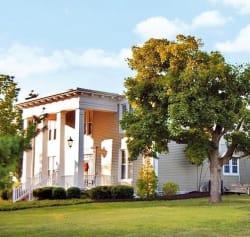 3-Star Kentucky Bourbon Trail Inn from $89/night
