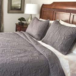 Fashionable Solid 3-Piece Quilt Set from $40