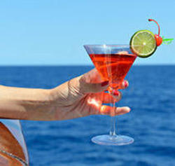 Norwegian Cruise Line Will Offer Unlimited Drinks for Free on Bahamas Cruises