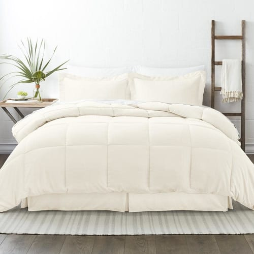 Linens & Hutch 8-Piece Premium Bed-in-a-Bag: 70% off + free shipping