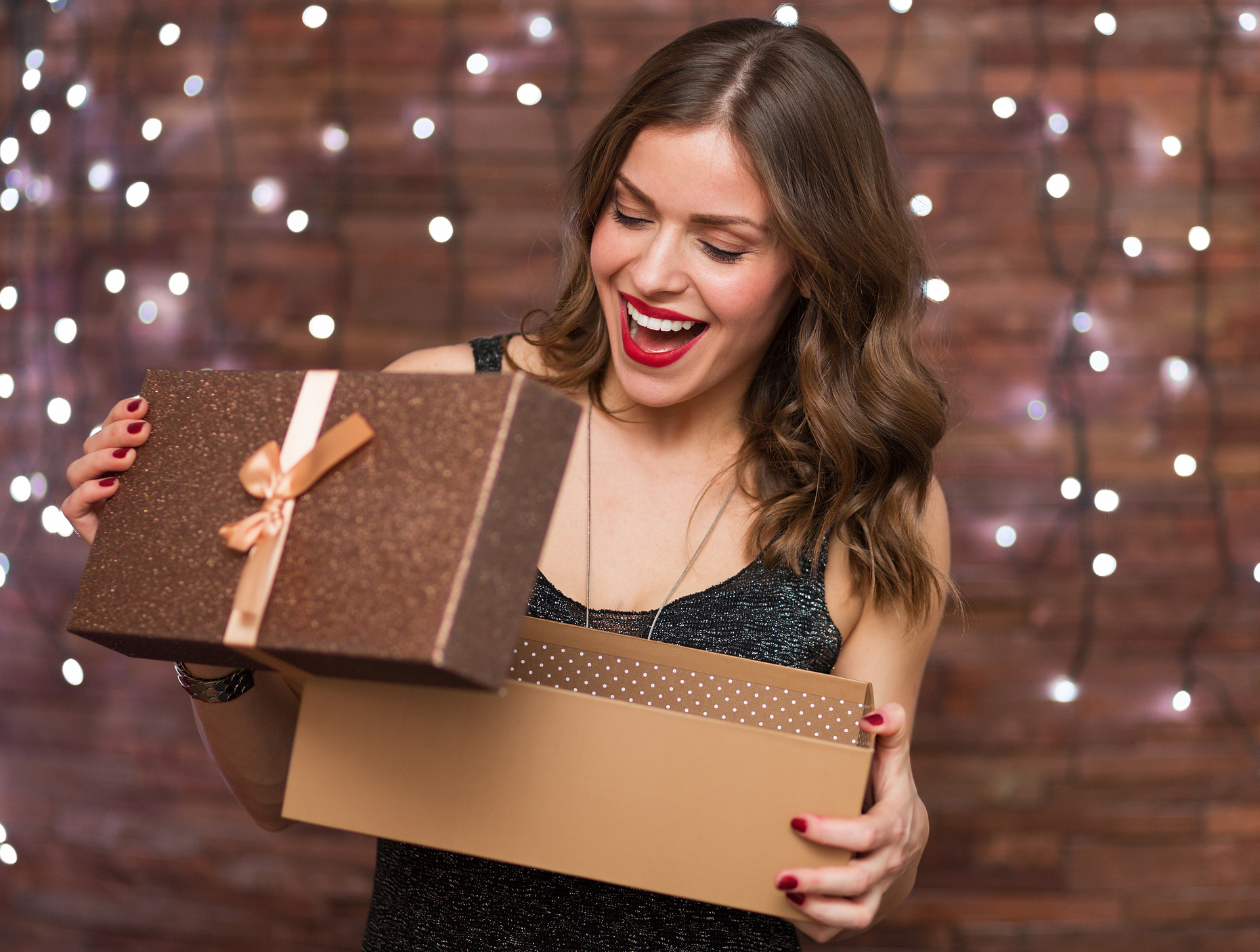 8 Awesome Holiday Gifts For Women