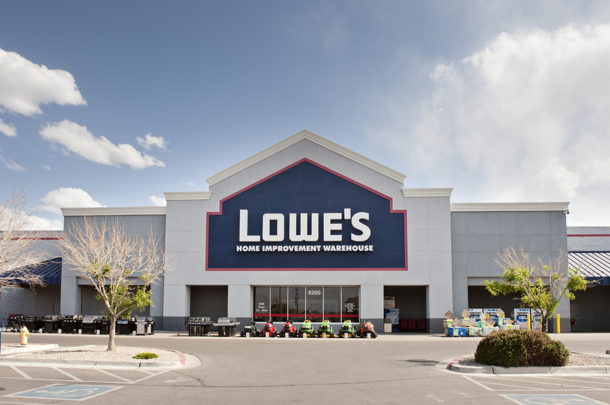 What to Expect From Lowe\'s Black Friday Sales in 2017