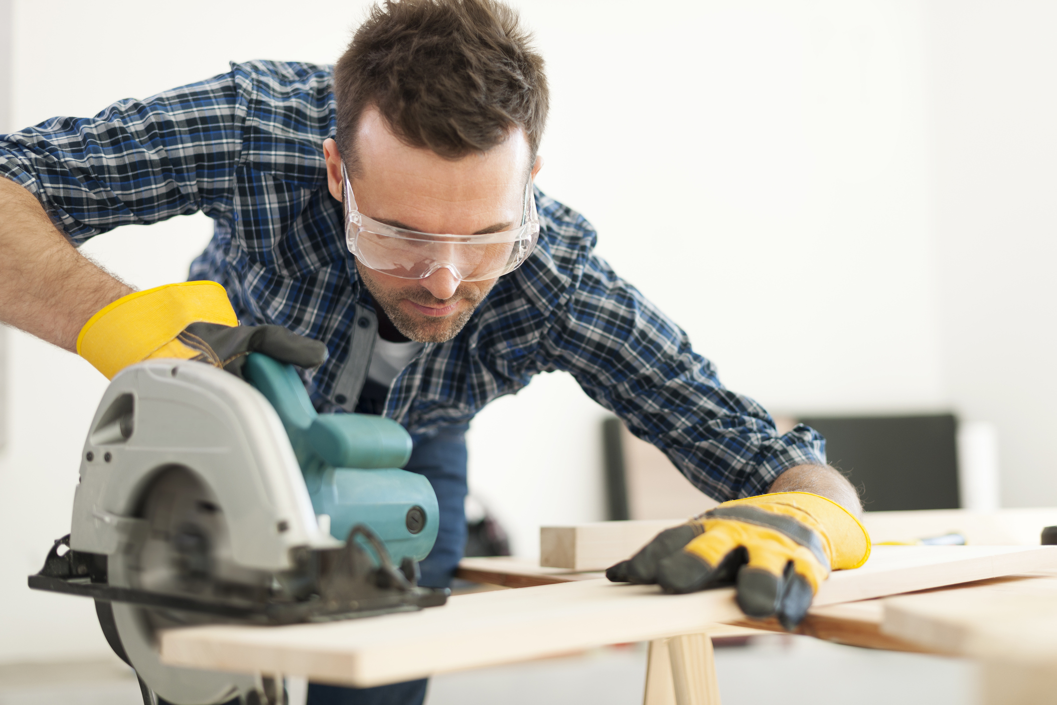 What Are The Different Types Of Power Tools: The Beginner's Guide To Saws